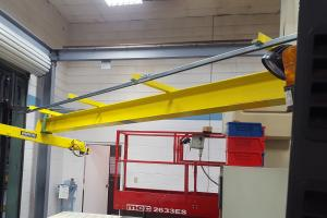 Laboratory Crane with very tight installation - Adient in Athens, TN